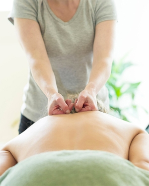 deep tissue massage by claire hay in edinburgh